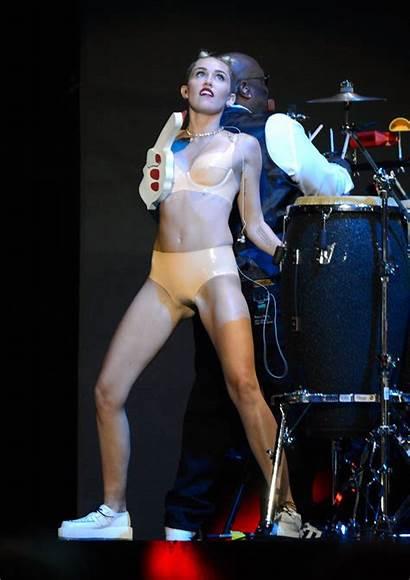 Camel Toe Cyrus Miley Nude Vma Celebrities