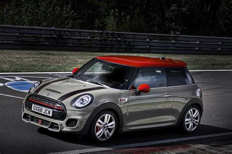 2019 Mini Jcw Specs by 2019 Mini Cooper Works Pictures Price Performance