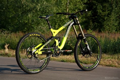 commencal supreme v3 commencal supreme dh v3 2014 denis smirnov 5832 s bike