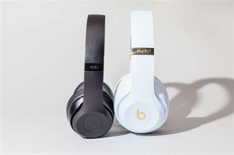 apple is working on high end headphones to compete with
