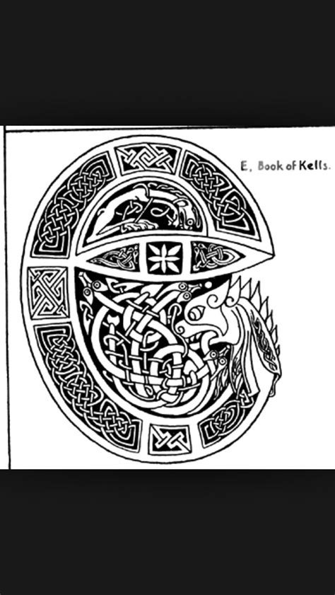 Awesome design derived from The Book of Kells. #Celtictattoolettering | Tattoo ideas | Historia
