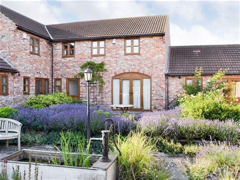 Cottage Near York by Dairy Cottage Ref Uk2327 In Towthorpe Near York