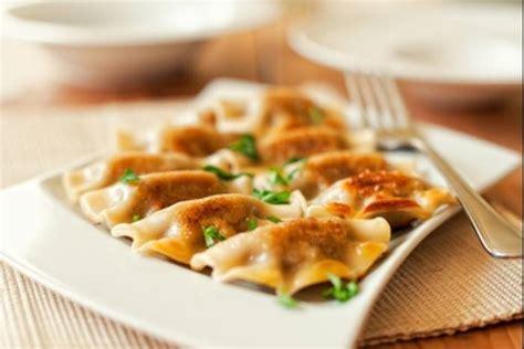 cuisine pologne recette de pierogi au fromage et aux blettes rapide