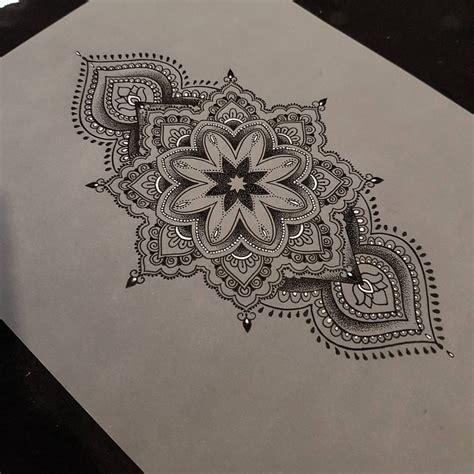 tattoos tattoos pinterest art drawings sketches pointillism  tattoo
