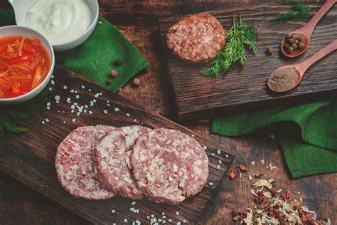 recette hamburger maison pr 233 parer le la viande et les garnitures