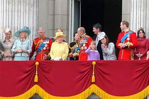 File:British Royal Family, June 2012.JPG - Wikimedia Commons