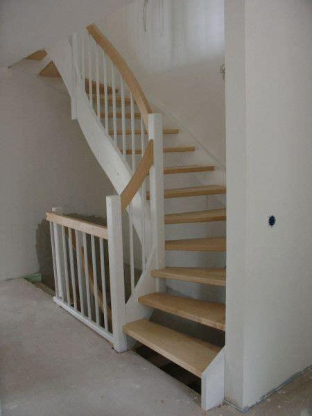 was kostet ein treppengeländer offene wangentreppe holz wei 223 halbgewendelt echiger handlauf treppe