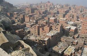 Cairo's Zabaleen Scavenge for Renewables to make Solar ...