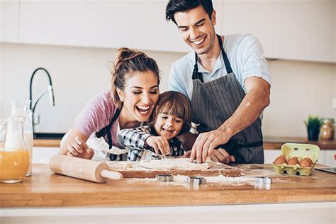 cuisiner avec les enfants cuisiner avec les enfants une activité ludique