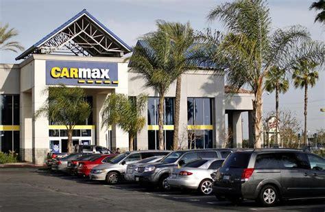carmax criticized  selling  cars  recalls