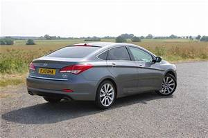 Hyundai I40 Pack Premium : hyundai i40 saloon 1 7 crdi 136bhp premium se 4d road test parkers ~ Medecine-chirurgie-esthetiques.com Avis de Voitures