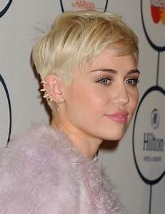 Coupe Femme Courte Blonde : coupe pixie femme actuelle ~ Carolinahurricanesstore.com Idées de Décoration