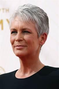 coupe cheveux blancs coupe courte femme 50 ans cheveux blancs