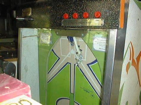 williams pitch  bat baseball pinball arcade game