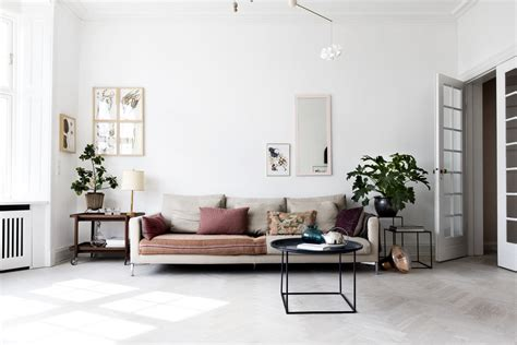 Airy Scandinavian And Mid-century Modern Apartment