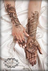 Traditional Pakistani Mehndi Designs For Hands