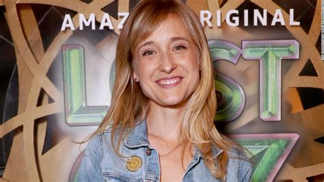 images of allison mack actress smallville actress allison mack arrested on sex