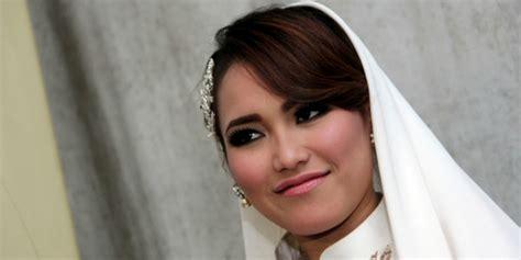 Wanita Menyusui Anak Kucing 32 Model Baju Batik Muslim Modern Terbaru Dream Co Id