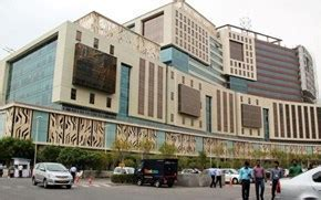 Dlf Building No 14 by Hafeez Contractor   Gurgaon