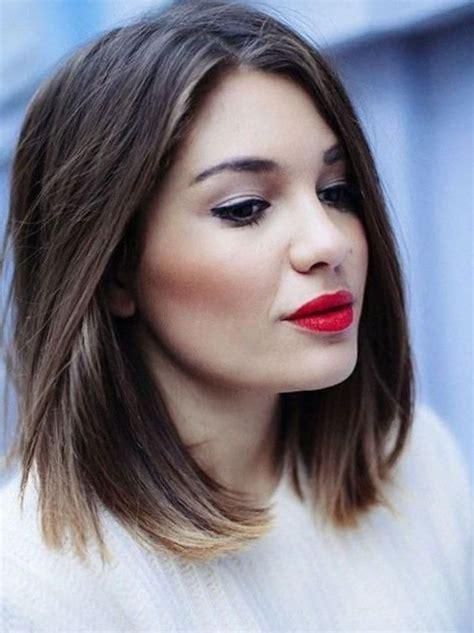 coupe de cheveux pour visage rond femme 50 ans best 25 coiffure pour visage rond ideas on coupe pour visage rond maquillage pour