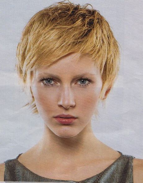 coupe de cheveux courte d 233 grad 233 e