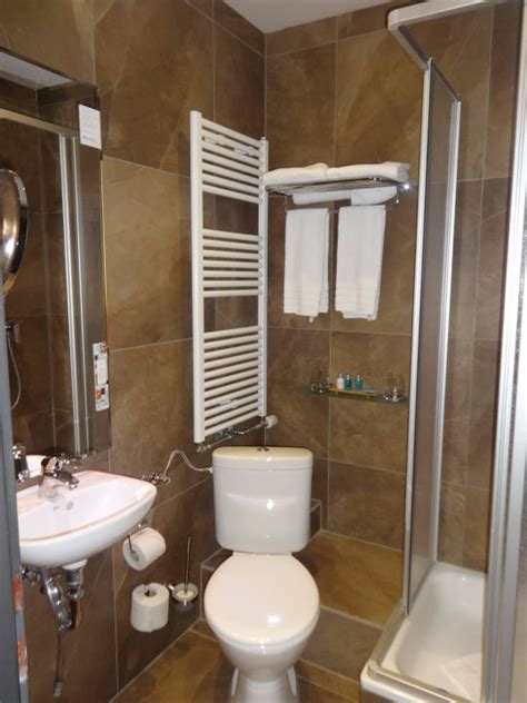 Sehr Kleines Bad by Quot Unser Sehr Kleines Bad In G 228 Ste Wc Gr 246 223 E Quot Nyx Hotel