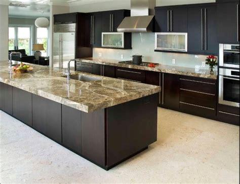 cuisine plan de travail de cuisine moderne clair en granit