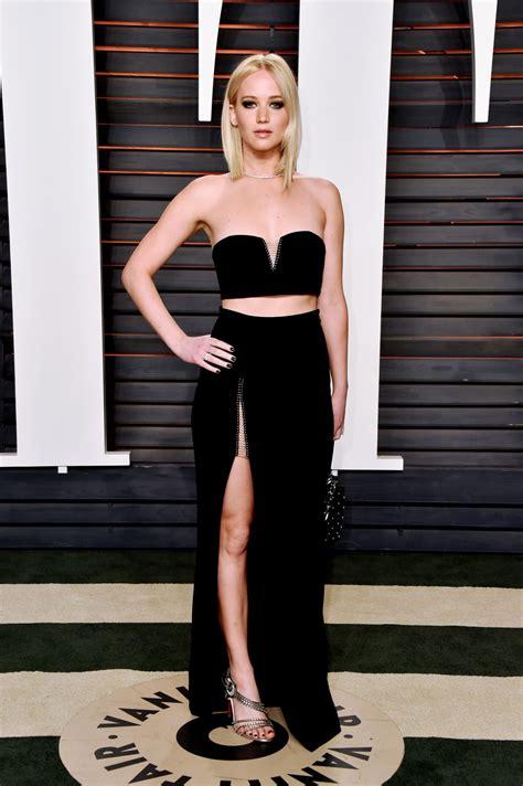 Jennifer Lawrence attends the 2016 Vanity Fair Oscar Party ...