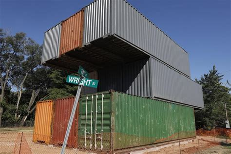 shipping containers give  life  vacant st louis