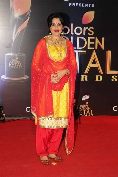 Petal Awards Golden Mouni Roy Kamya Punjabi