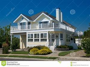 Ab Wann Steht Ein Haus Unter Denkmalschutz : strand haus stockbild bild von blau pastell balkon ~ Lizthompson.info Haus und Dekorationen