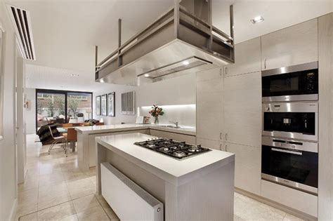 modern kitchen designs melbourne thin and modern townhouse design in melbourne digsdigs 7696