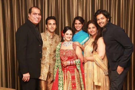 Ali Fazal Height Weight, Age, Wife, Family, Wiki ...