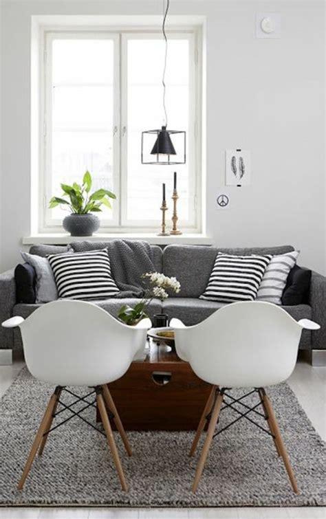 déco coussin canapé deco nordique et tapis gris avec canapé gris et coussins