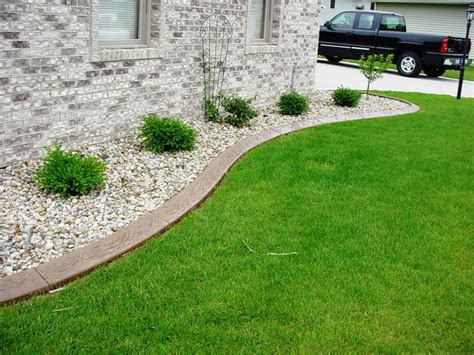 Metal Garden Edging Ideas tips to create a park seems more with landscape