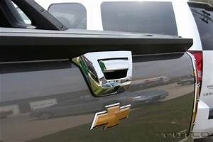 Chevrolet Avalanche Chrome Tailgate Handle Cover  2007