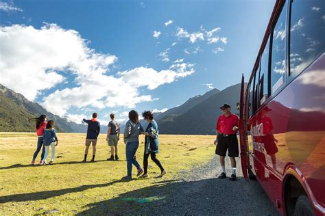 Milford Sound Day Trip | Te Anau Southern Discoveries