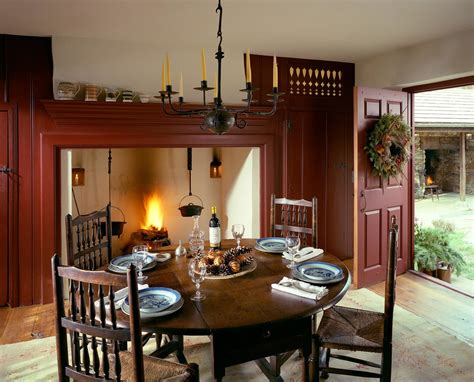 Inspired Magnolia Leaf Wreath In Dining Room Farmhouse