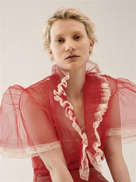 mia wasikowska  interview germany  driu tiago