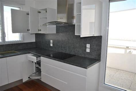 cuisine blanche  grise moderne