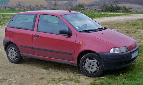 File:Fiat Punto 60 Cult.JPG - Wikimedia Commons