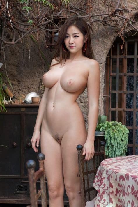 Showstars Hana Topless Mega Porn Pics