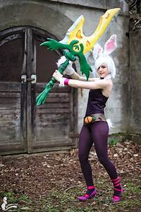 Battle Bunny Riven Cosplay - League of Legends by ...