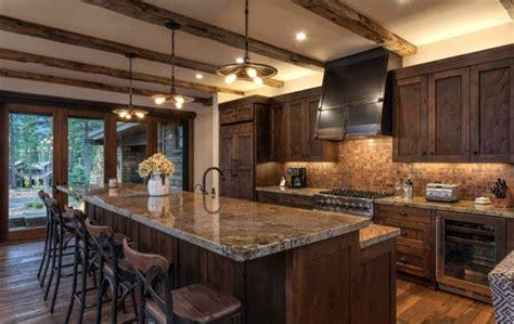 foncer en cuisine 1001 designs et conseils pour la cuisine rustique parfaite