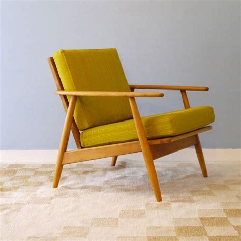 canap es 60 fauteuil vintage jaune maison design wiblia com