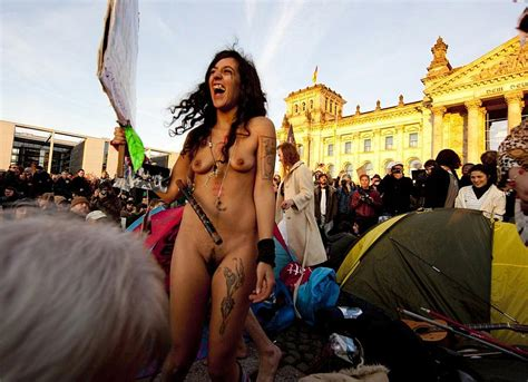 Exposed and Uncensored – Nudity Protests | BERNDPULCH.ORG – BERND-PULCH.ORG EXCLUSIVE AND TOP ...