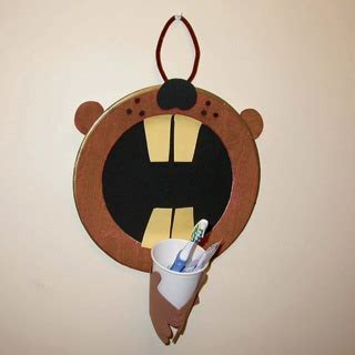 9 beaver craft ideas and activities for preschoolers and 214 | Beaver Toothbrush Holder