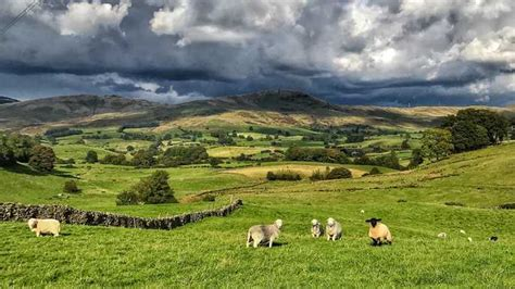 3-day Yorkshire Dales and Peak District Tour from ...