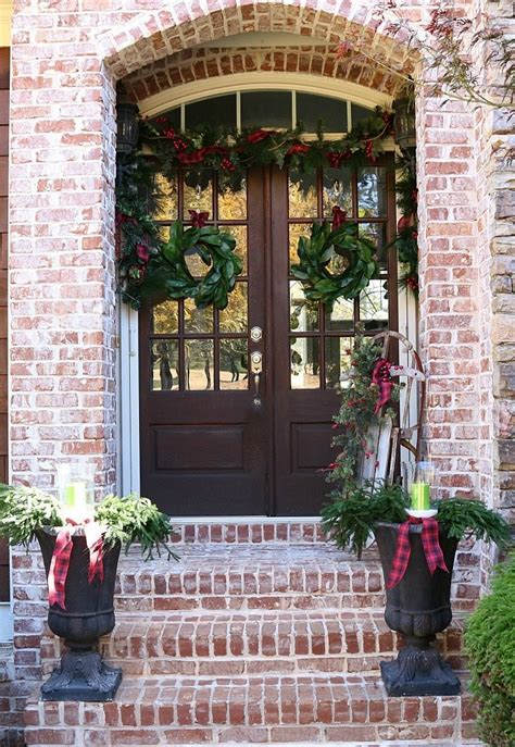 beautiful farmhouse christmas porches honeybear lane
