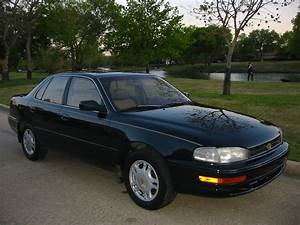 1993 Toyota Camry - Information And Photos
